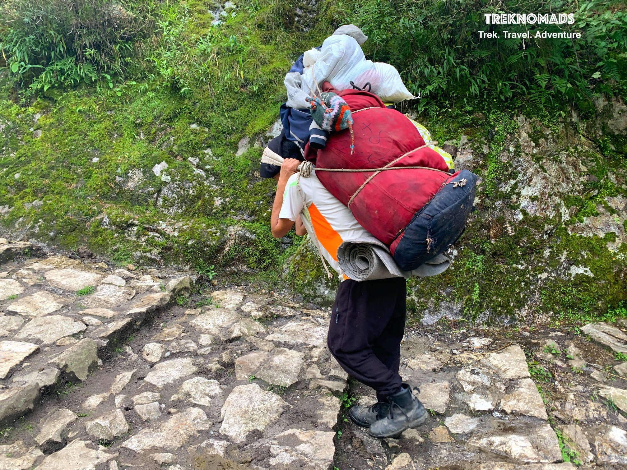Everest Base Camp faqs - tipping culture